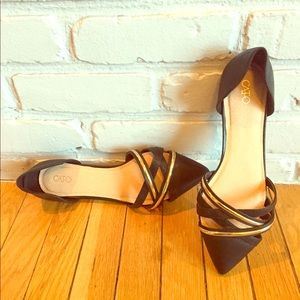 CATO SZ 10 Black & Gold Faux Leather Pointed Flats